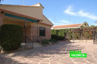 entrada-6-entrepinos-chalet-valencia