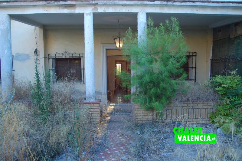 Oportunidad chalet Les Casetes La ELiana Valencia con parcela