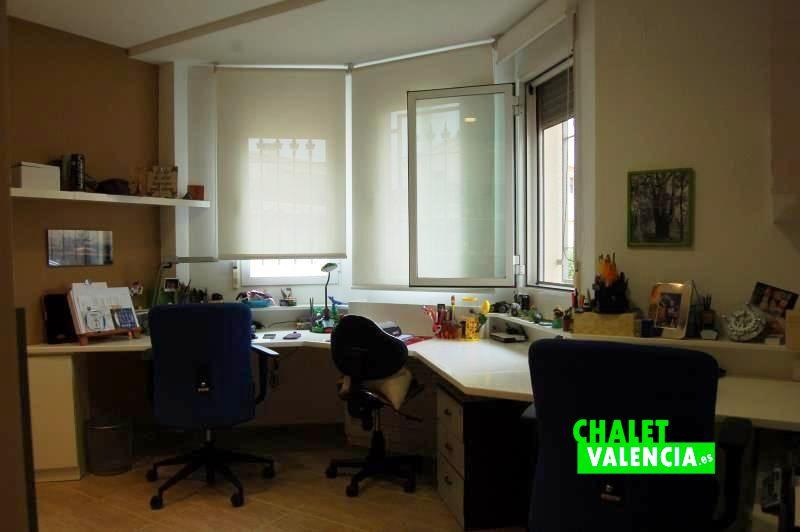 Habitación despacho en planta baja chalet La Eliana