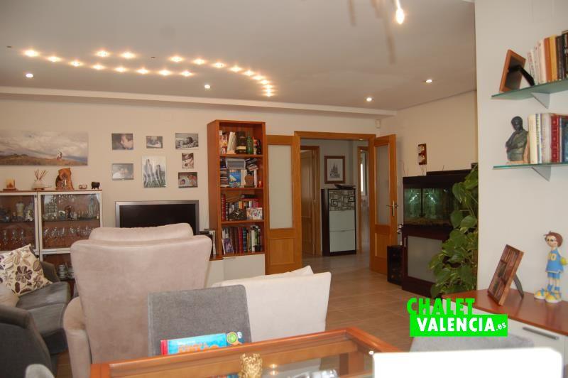 g7867-salon-comedor-6-chalet-valencia