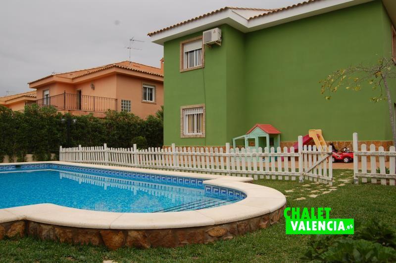 chalet con piscina en Gallipont Valencia