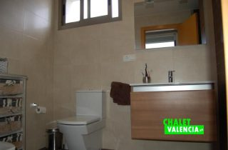 g8448-bano-suite-chalet-valencia-betera