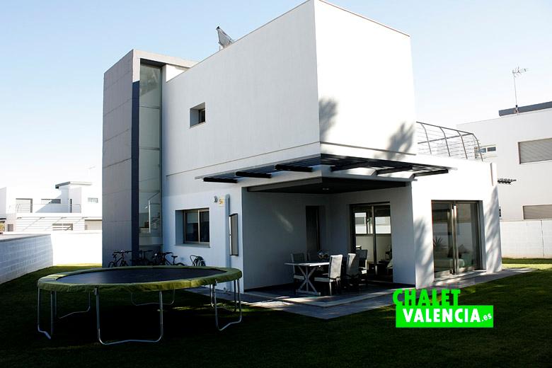 Modern design villa el perigall betera valencia chalet valencia - Chalet diseno moderno ...