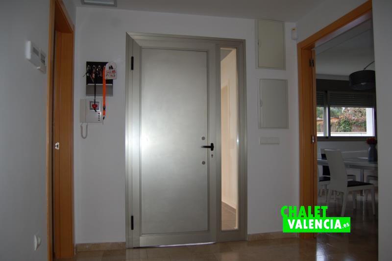 Recibidor de entrada chalet diseño moderno Valencia