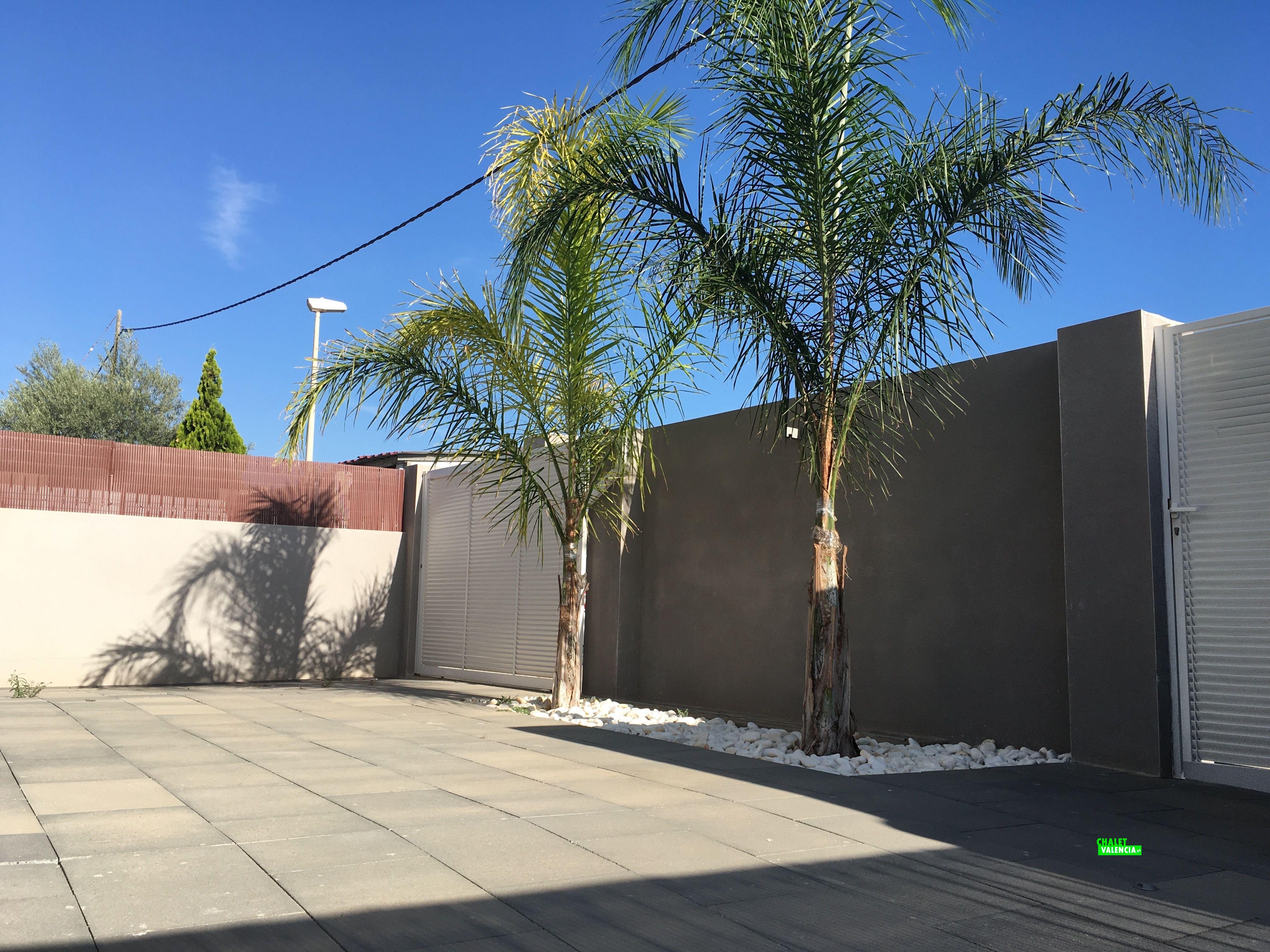 Entrada chalet de nueva construcción Valencia