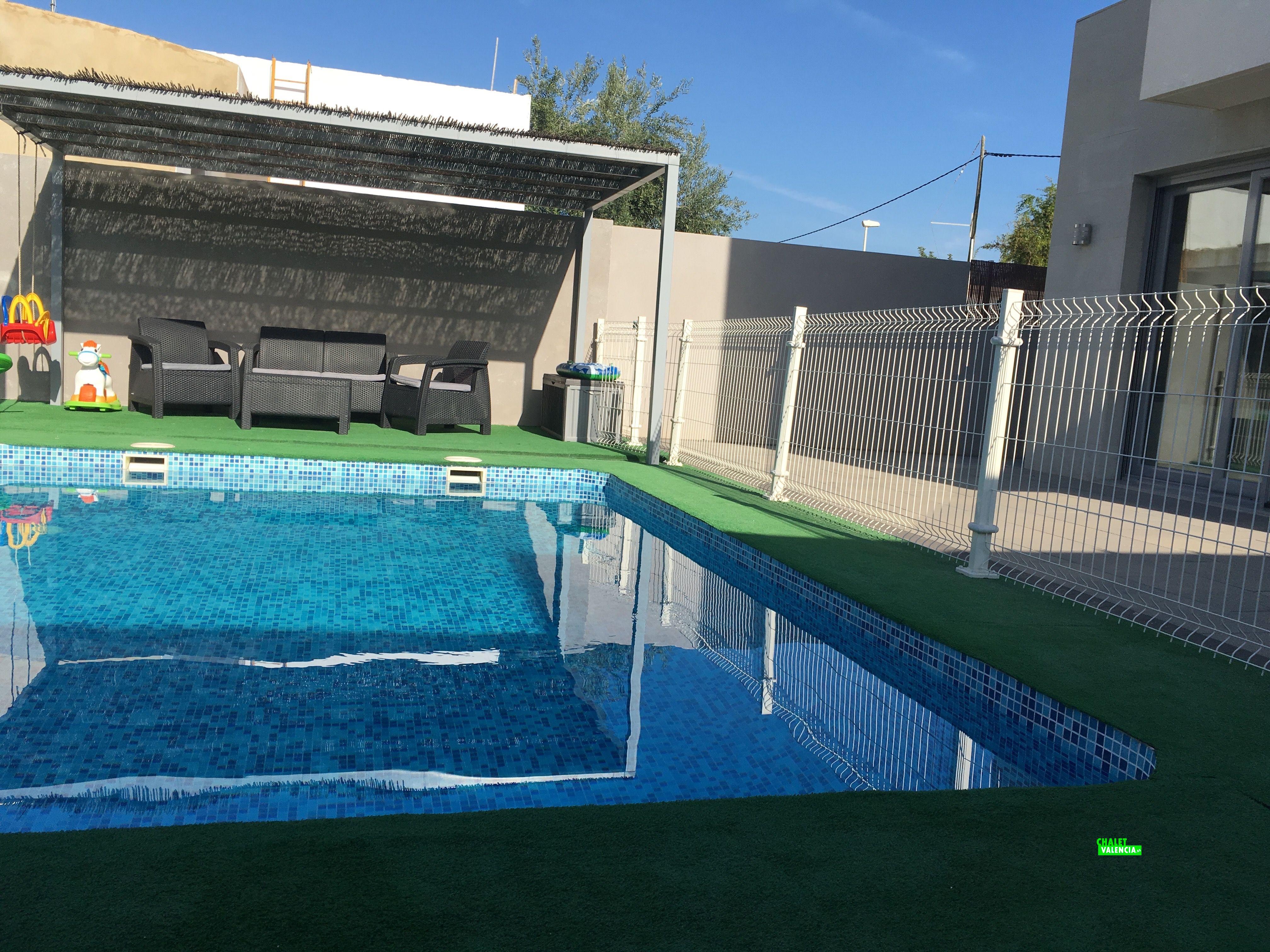 Chalet de nueva construcci n en valencia chalet valencia for Construccion piscinas valencia