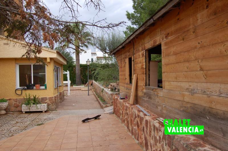 Construcción auxiliar exterior tipo loft