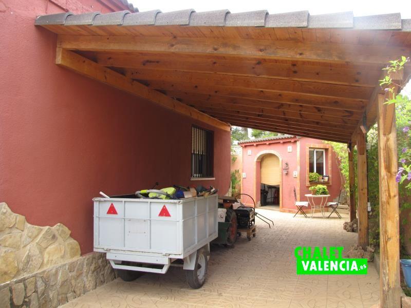 Porche vehículos chalet una planta Montealcedo