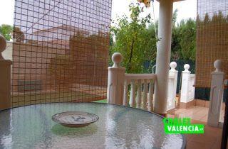 g9325-terraza-comedor-jardin-chalet-valencia