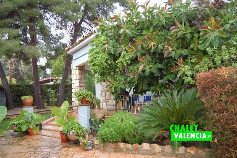 Entrada chalet La Cañada Paterna con 6 habitaciones
