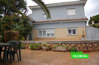 g9538-piscina-fachada-chalet-valencia