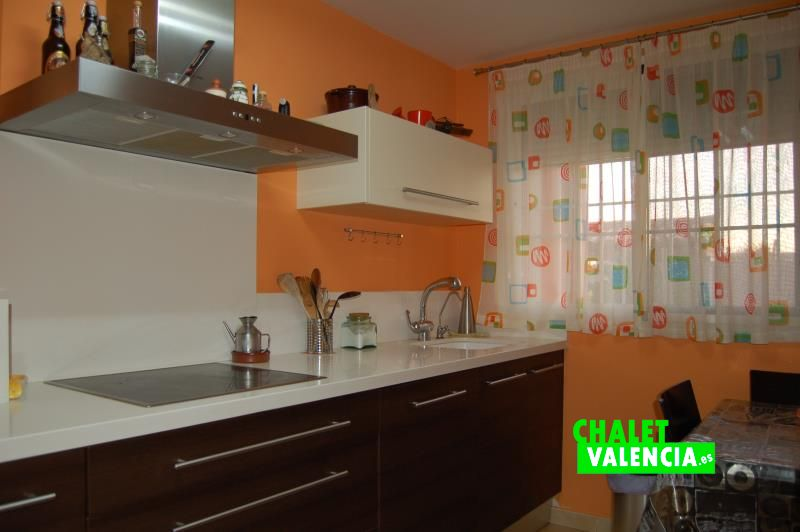 Moderna cocina chalet Vista Calderona