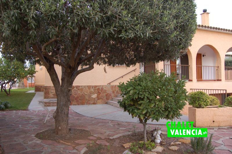 g9838-entrada-chalet-valencia