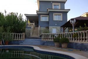 g9910-piscina-fachada-chalet-valencia