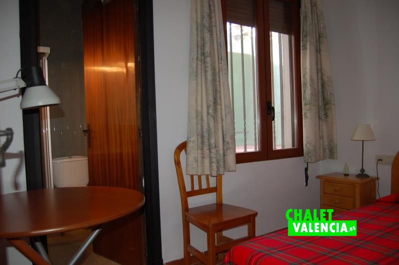 Habitación suite junto cocina para servicio o invitados