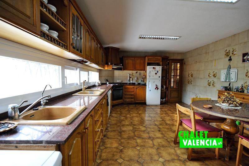 Cocina chalet señorial zona Iale La Eliana