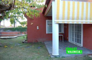 piscina-terraza-cocina-chalet-valencia