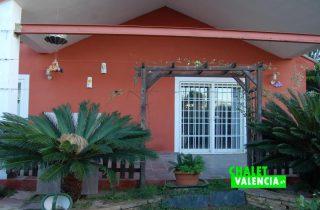 terraza-piscina-chalet-valencia