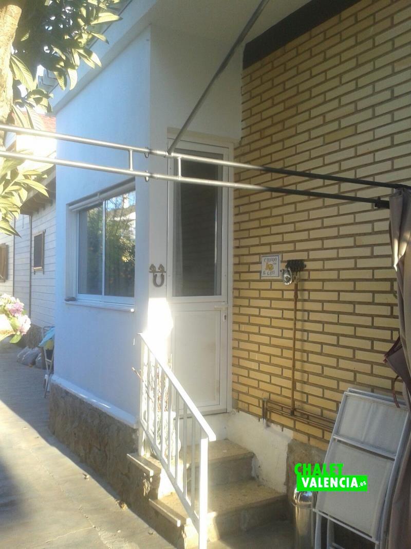 G10972n-vista-fachada-chalet-valencia