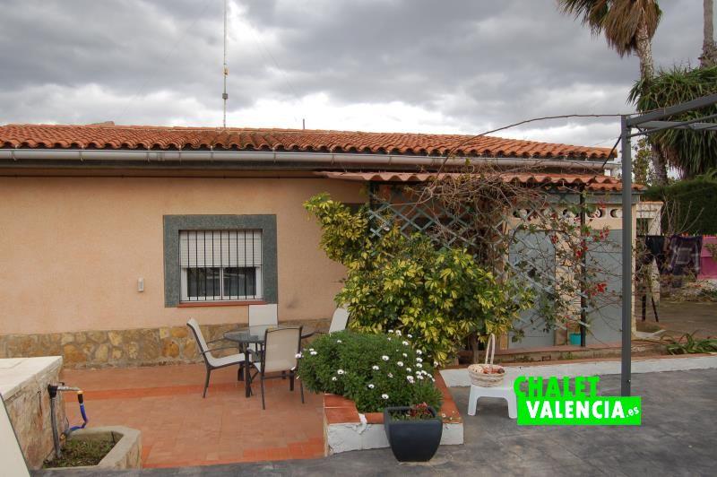 G11152-piscina-zona-chalet-valencia