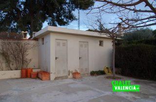 G11188-bano-exterior-chalet-valencia
