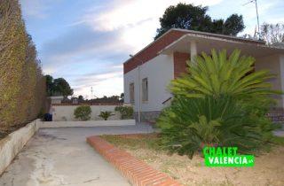 G11188-entrada-calle-chalet-valencia