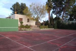 Chalet con pista de tenis en Montepilar La ELiana