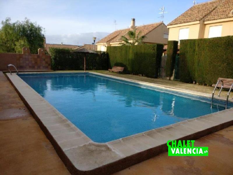 G11241-piscina-comunitaria-2-chalet-valencia