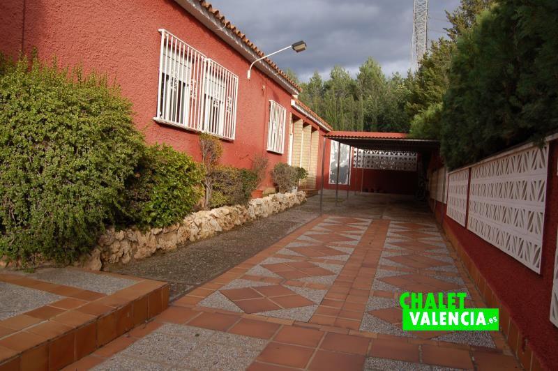 Entrada garaje chalet inversión La Eliana Valencia