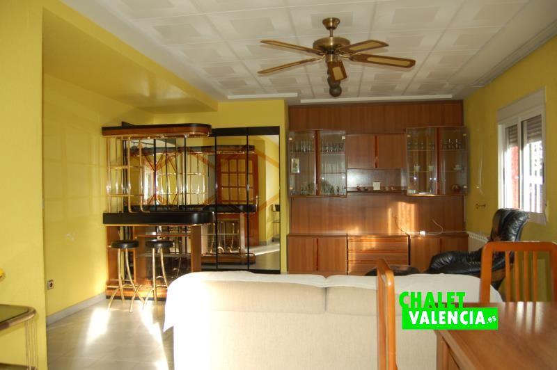 Salón comedor entrada chalet La Eliana