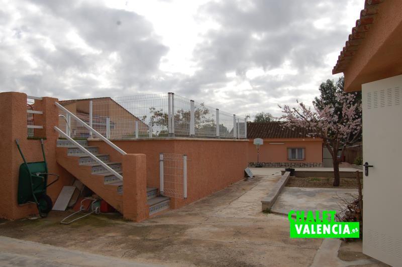 Acceso piscina Barranquet La Pobla Valencia
