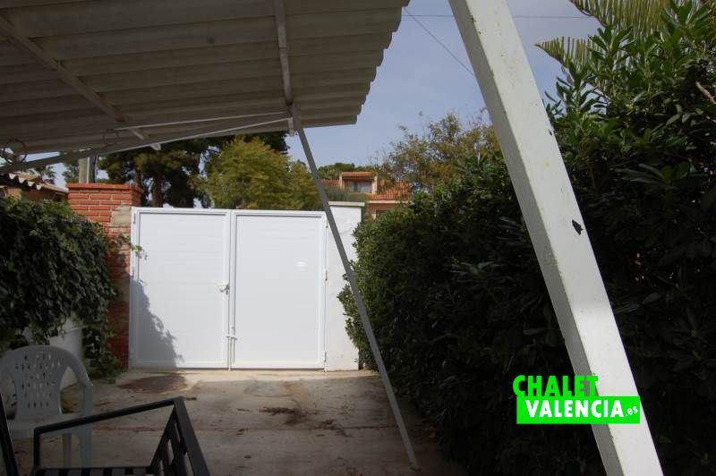 Entrada garaje chalet Montesano Valencia