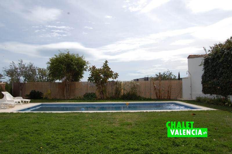 Bonitas vistas piscina Chalet Valencia