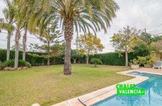 G12825-jardin-piscina-chalet-valencia