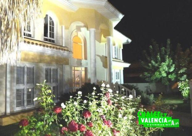 G4008-08 entrada noche-chalet-valencia-la-eliana