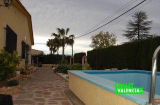 G11894-piscina-entrada-chalet-valencia