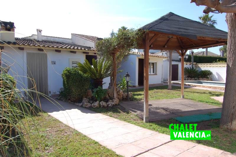 Comfortable villa to live next to LEliana village Chalet Valencia