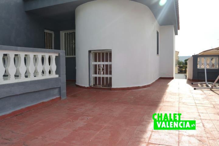 G11912-terraza-2-cv-chalet-valencia