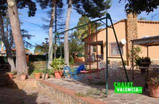 G11916-jardin-pinada-chalet-valencia