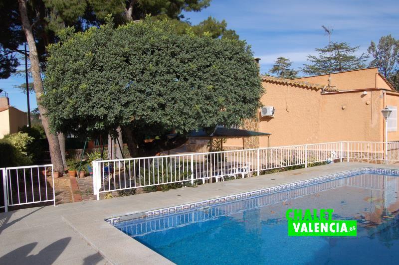 G11916-piscina-chalet-chalet-valencia
