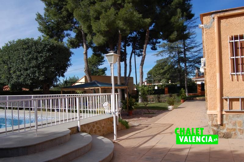 Piscina amplio chalet una planta Náquera Valencia