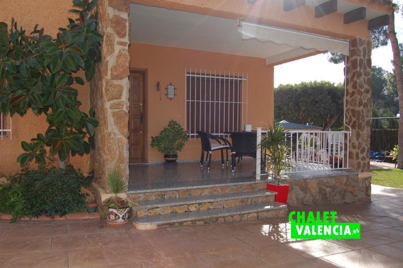 G11916-terraza-entrada-chalet-valencia