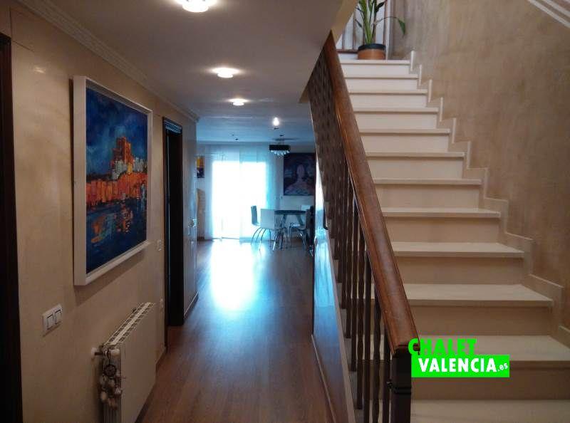 Recibidor bonito chalet pareado en Maravisa