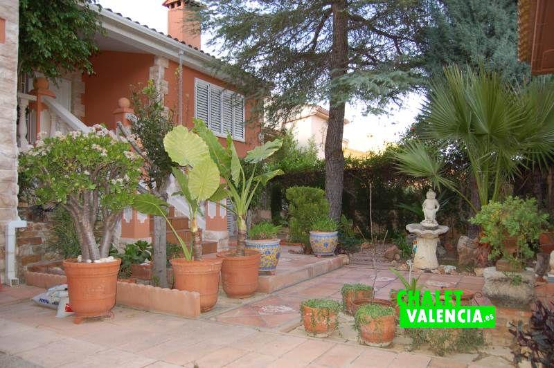 Jardín entrada espectacular chalet pareado Colinas