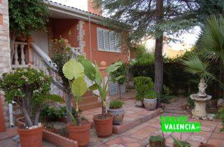 G12311-entrada-casa-colinas-chalet-valencia