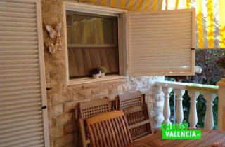 G12311-terraza-cocina-piscina-chalet-valencia