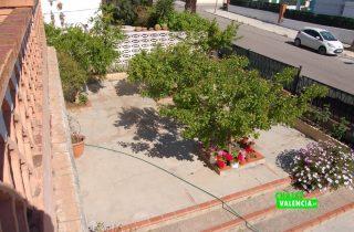 G13217-entrada-desde-terraza-chalet-valencia