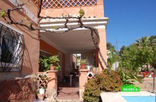 G13217-terraza-entrada-chalet-valencia