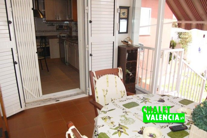 G13288-cocina-terraza-chalet-valencia