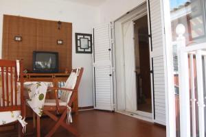 G13288-cocina-terraza-piscina-chalet-valencia